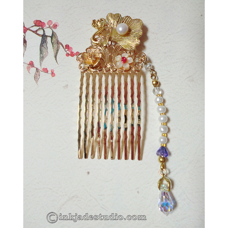 Small Golden Chinese Comb with Gingko Leaf and Freshwater Pearl