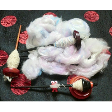 Handspinning the Yarn for Unicorn Magic Scarf 2