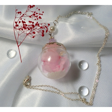 Glow-in-the Dark Pink Hydrangea Real Flower Glass Ball Glass Globe Pendant Nature Terrarium Necklace