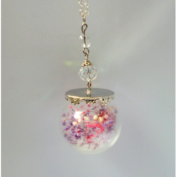 Glow-in-the Dark Baby's Breath Real Flower Glass Ball Glass Globe Pendant Nature Terrarium Necklace